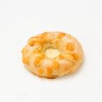 炒め玉ねぎと麻の実ナッツベーグル/wチーズ