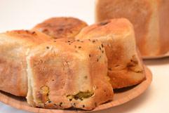 「お米ぱん 八」のパン